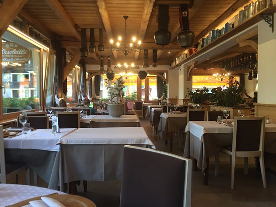 Belle salle manger dans le style montagnard photo de l for Belle salle a manger