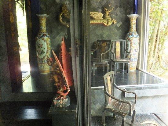 Lipa Noi, Thailand: dusit dhewa, inside the owners house