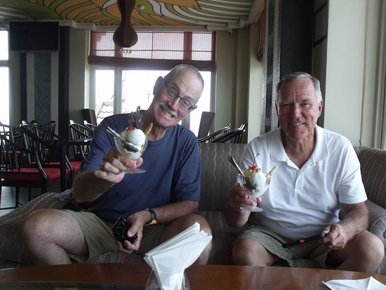 Imperial Hotel: Coconut ice cream on the 16th floor..... can't beat it !