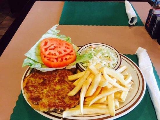 Bentley's Falls Church Diner: Crab Cake Special
