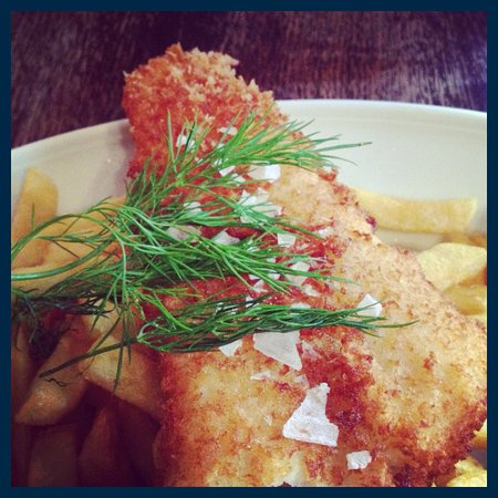 The Queen's Head: Fish 'n chips