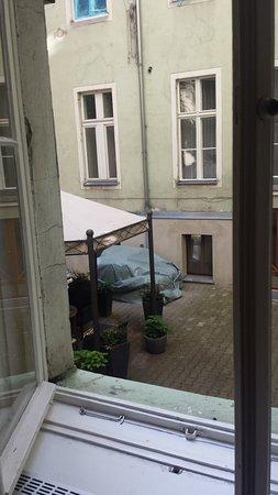 Aussicht Aus Nachbarzimmer Bild Von Rewari Hotel Berlin Berlin
