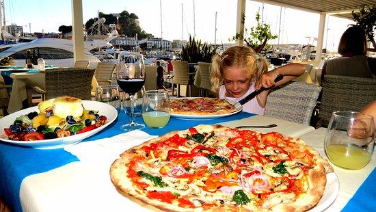 énorme pizza