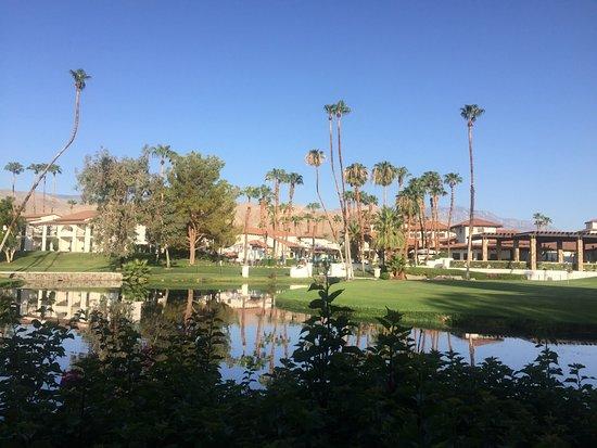 Omni Rancho Las Palmas Resort & Spa: Beautiful grounds!