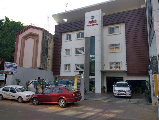 Hotel Pams Residency