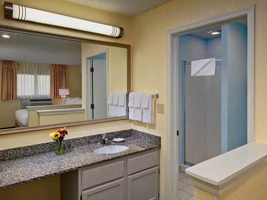 Two bedroom loft suite second floor bathroom picture of sonesta es suites tucson tucson for 2 bedroom suite hotels in tucson az