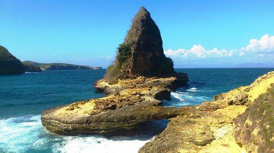 Aditongkol Tour Guide: Tanjung Bloam. Eastern Part of Lombok