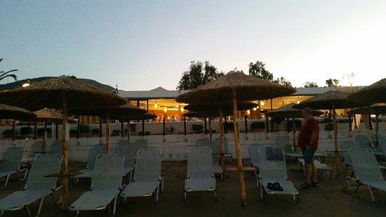 Corissia Beach Hotel: 20160719_205432_large.jpg