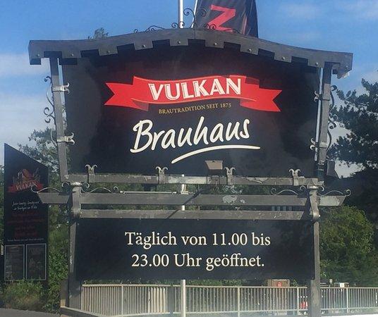 Mendig, Almanya: Eingang zum Vulkan Brauhaus