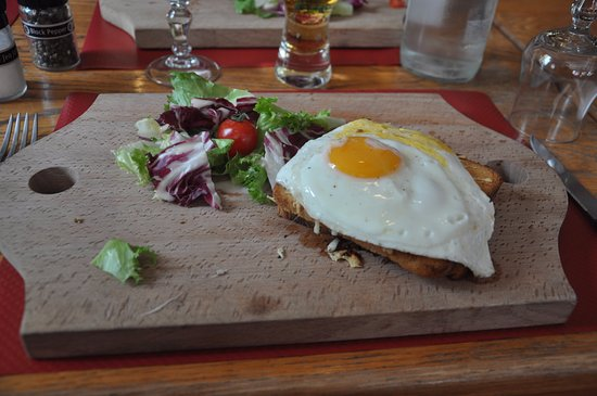 Marmagne, France : Croque Madame