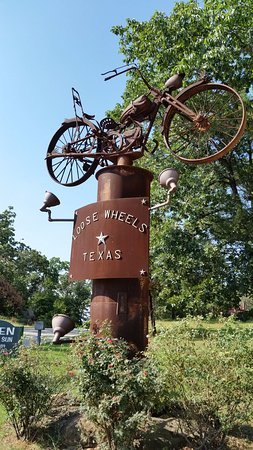 Denison, TX: Entry to Loose Wheels
