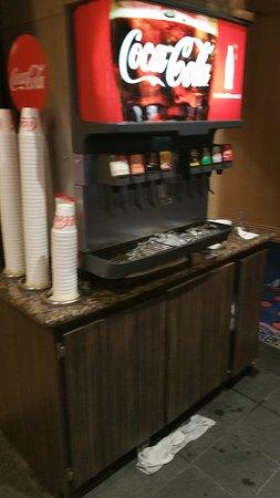 Island View Casino Resort: Free soda bars