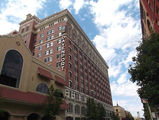 Downtown Spokane: Davenport Hotel