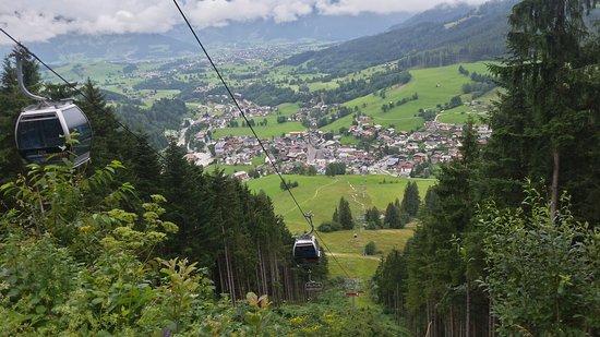 Hotel Salzburgerhof: Blick auf den Ort ( Maria Alm)