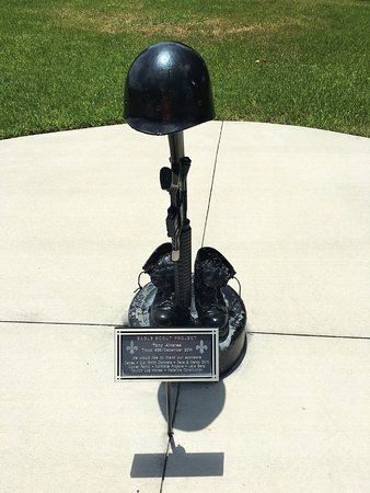 Bushnell, Флорида: Eagle Scout Project - Fallen Soldier