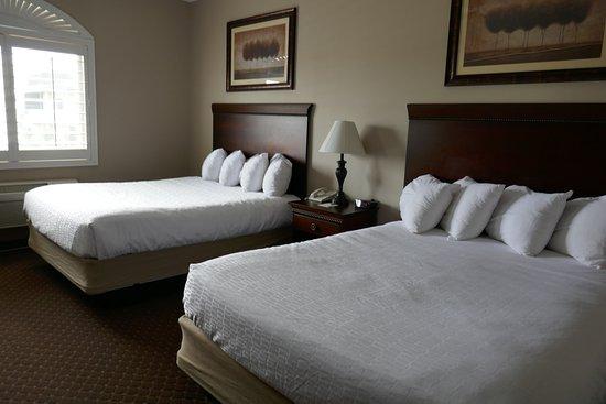 Landmark Inn and Suites Photo