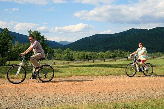 Crozet, Вирджиния: Bike among the scenic mountains