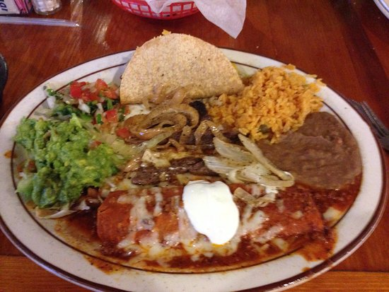 Navasota, Τέξας: El Llano combination platter