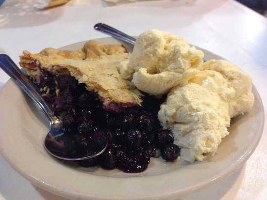 Westport, MA: blueberry pie a la mode