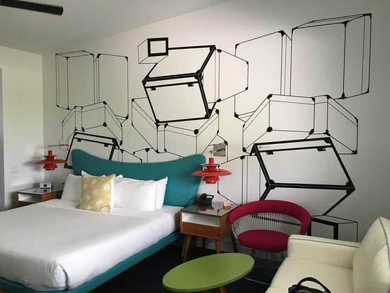 Vagabond Hotel Miami Photo