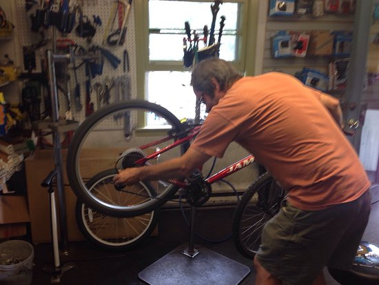 Brewster, MA: Expert bike repair