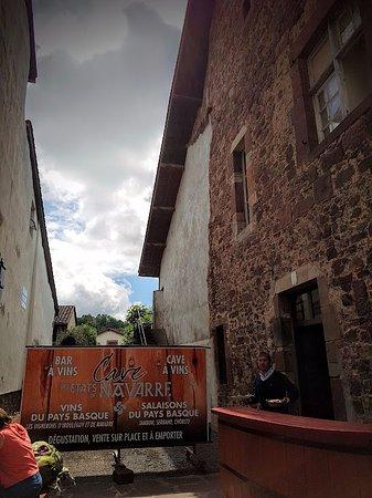Cave des etats de navarre saint jean pied de port - Saint jean pied de port restaurant gastronomique ...