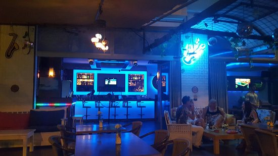 Canary Bar