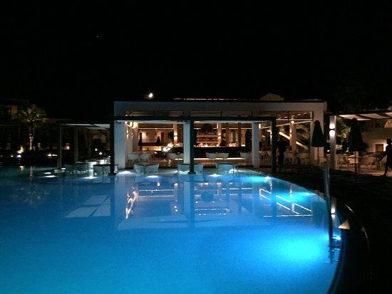 Pelagos Suites Hotel: photo0.jpg