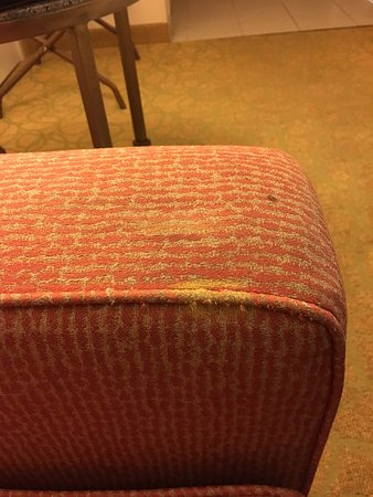 Waikiki Beach Marriott Resort & Spa: the dirt and wear on the sofa- can't imagine the germs on this