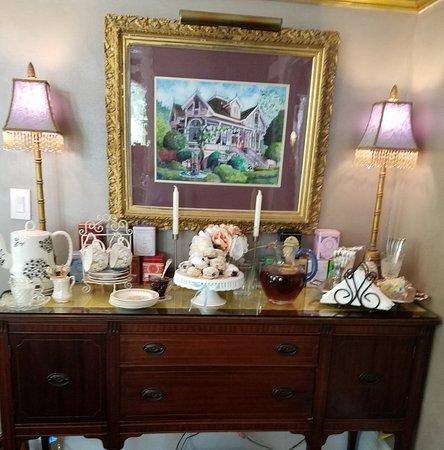 La Belle Epoque: Tea in the dining room.
