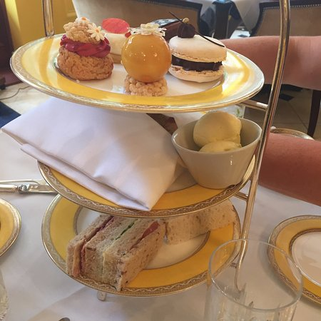The Goring Dining Room: Afternoon Tea