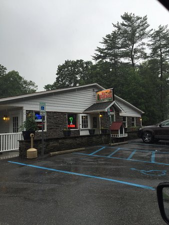 Port Jervis, NY: I will be back. We visited 4pm Sunday, only a few customers were present. Great food, great serv