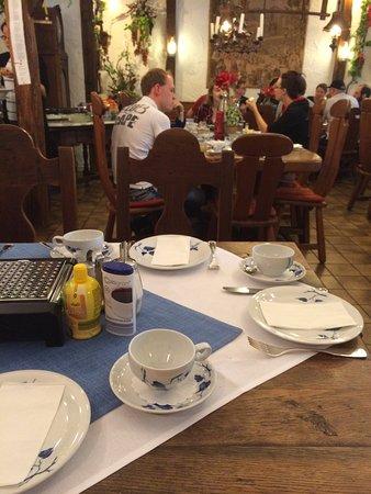 Hotel garni Jacobs : Breakfast time