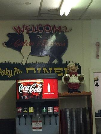 Porky Pig Diner: photo0.jpg