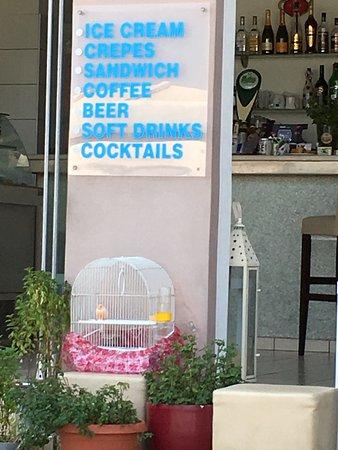 DEL MAR SNACK BAR: Toutes sortes de rafraîchissements : fruits frais , cocktails , desserts