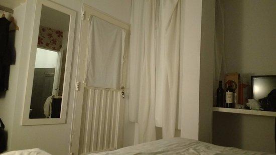 Boho Rooms: Vista da cama/acesso saída do quarto