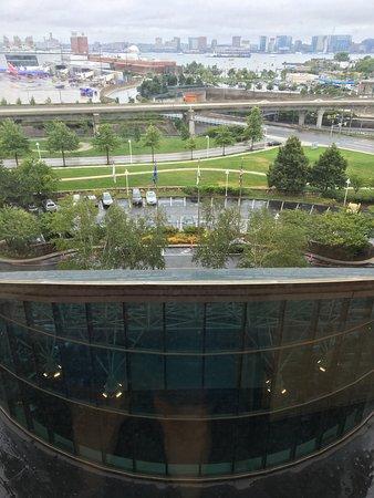Hilton Boston Logan Airport: view from 8th floor elevator area