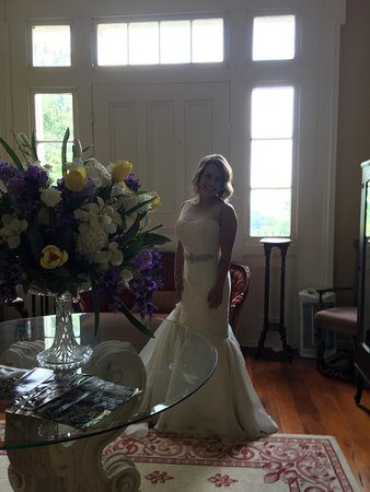 Springfield, KY: In the upstairs foyer after getting into her dress