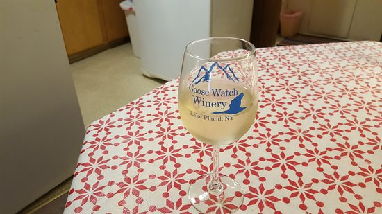 Goose Watch Winery Lake Placid : In my motel room - Goose Watch wine and souvenir tasting glass