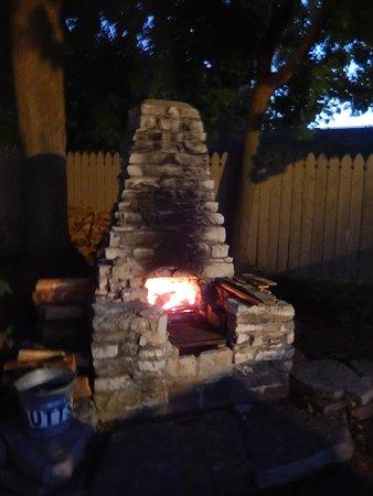 Wooden Boat Inn: fireplace