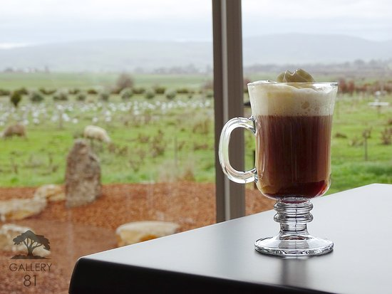 Campbell Town, Australie : View with a Coffee 81