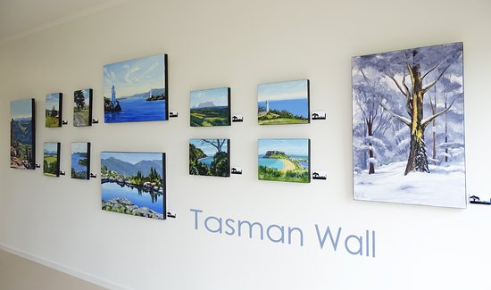 Campbell Town, Australia: The Tasman Wall