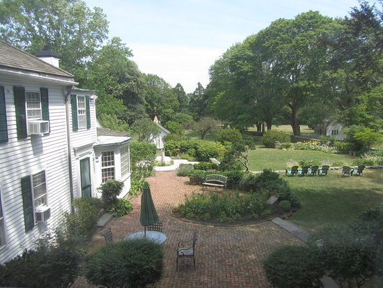 The Inn at Mount Hope Farm: View from the Byfield Room