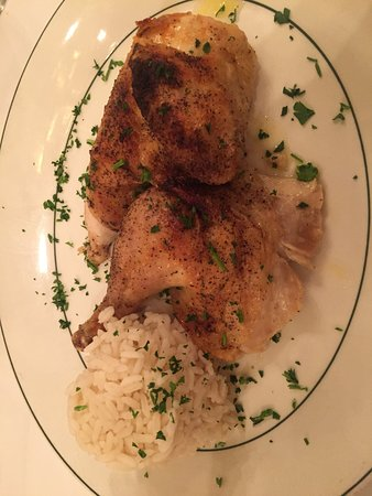 Galatoire's Restaurant: Yummy chicken