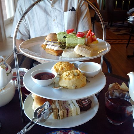 Tea at the Empress : Three-tiers of delicious food