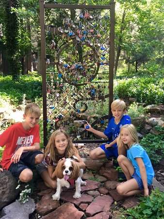 The Butterfly Garden Inn: locks of love