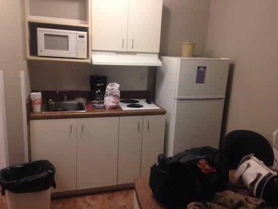 Suburban Extended Stay Pensacola-NAS: Kitchen area