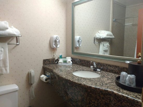Holiday Inn Express Hotel & Suites Tucson Mall: King suite