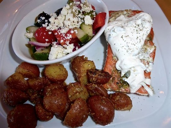 Trailhead Resort: Greek=style baked salmon with Greek salad