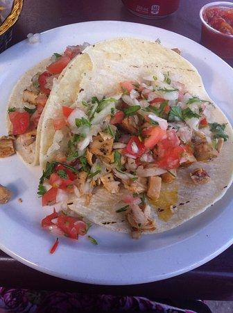 El Sombrero : Carnitas Tacos